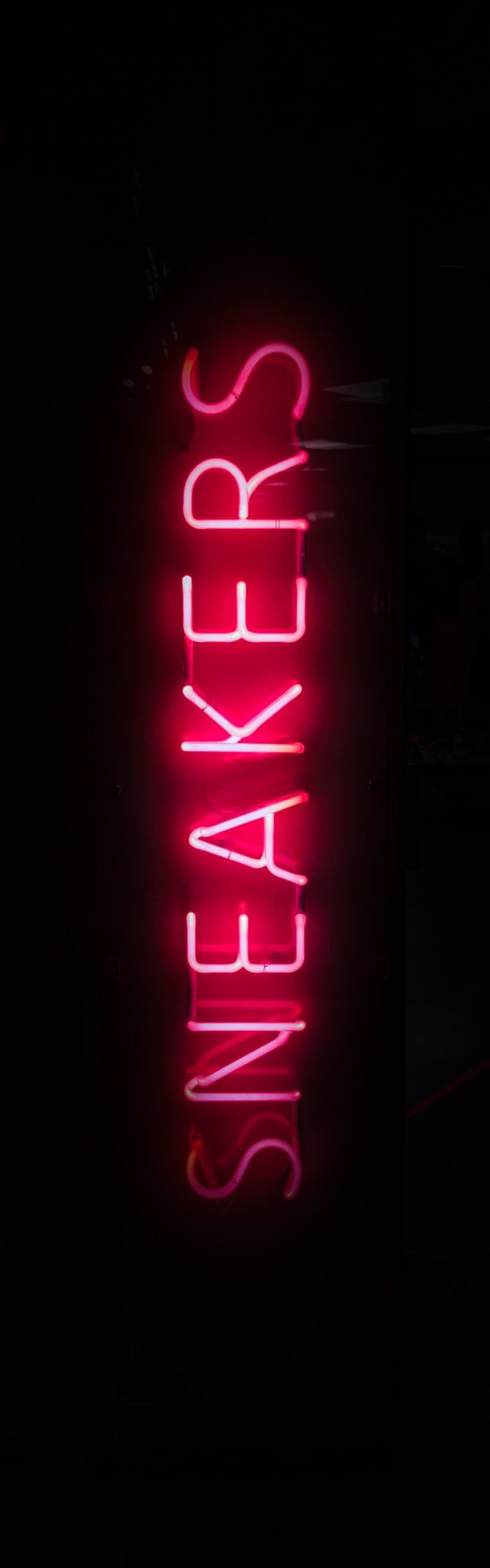 sneakers neon